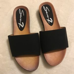 Seven7 Black Pearl slides size 9 slide on sandal